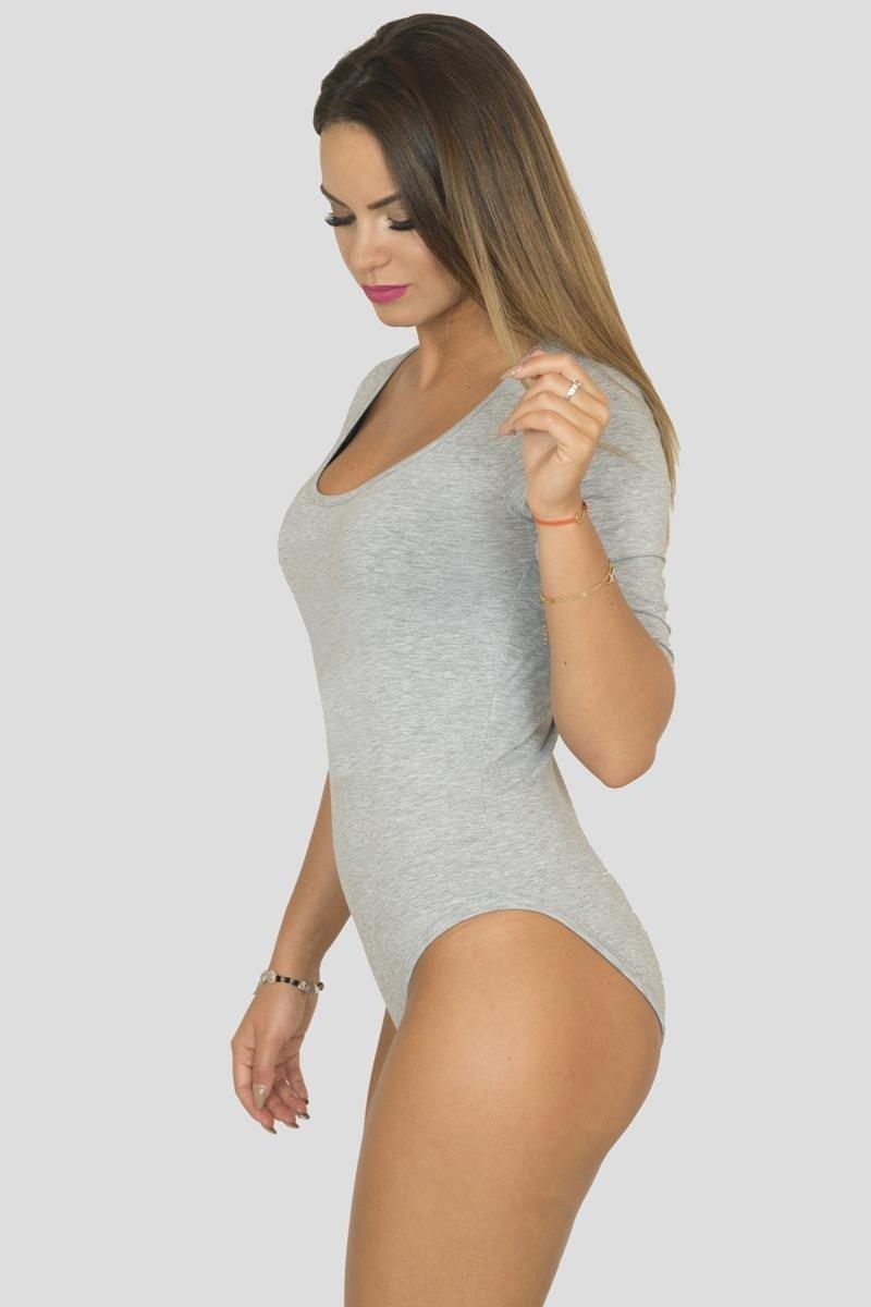 sukienki bluzki z kazdym kolejnym sezonem