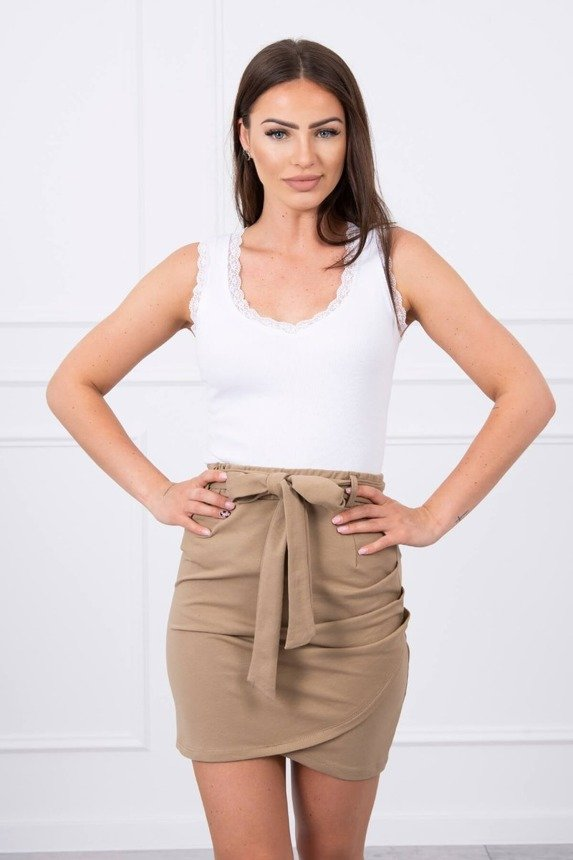 Wrap skirt tied at the waist camel
