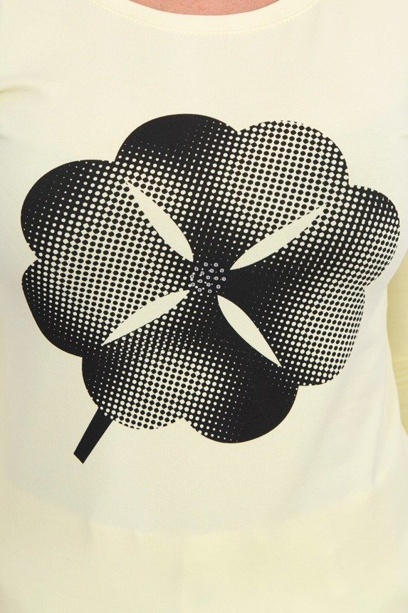 A blouse with a clover, yellow
