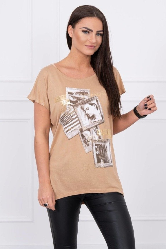 A blouse with pictures, caramel