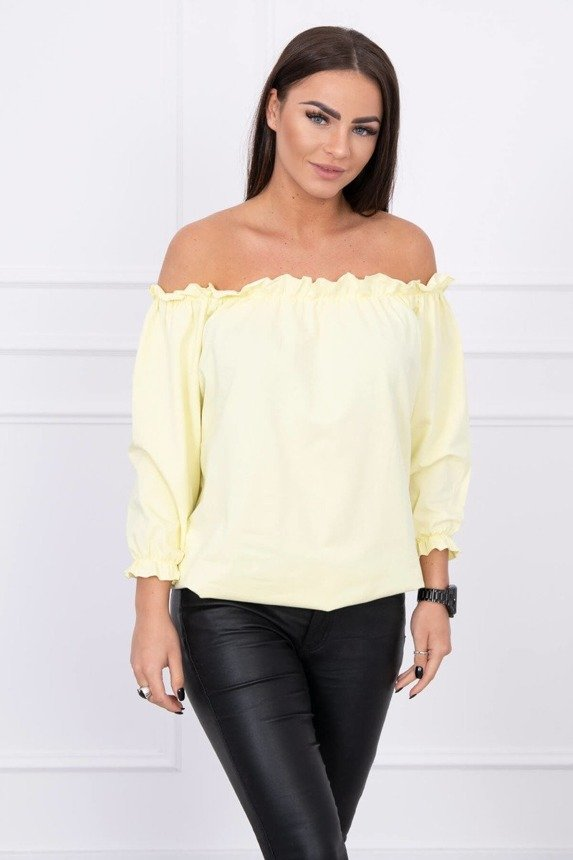 A blouse with tiny frills, lemon