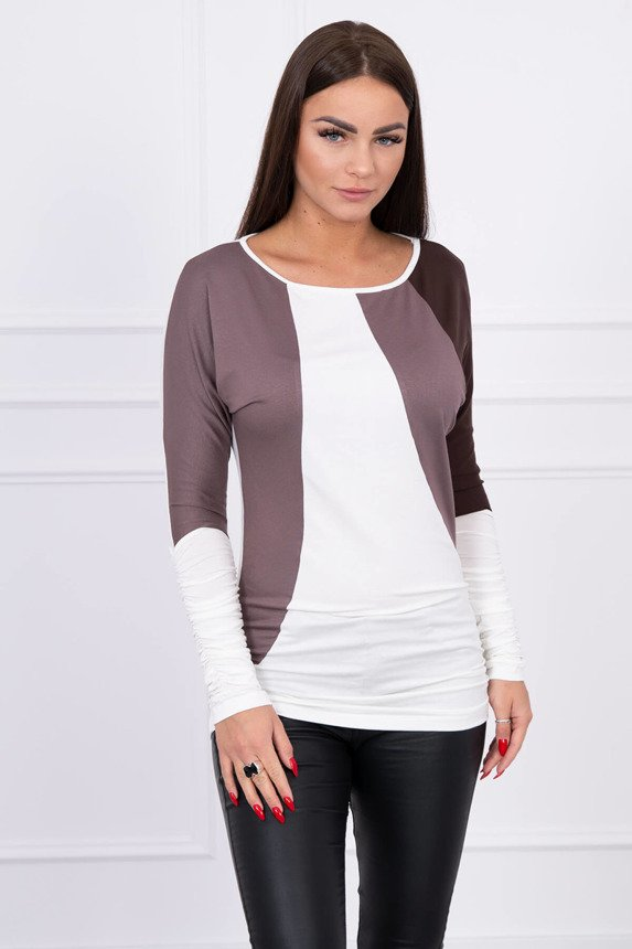 A tunic with wrinkles at the bottom and sleeves ecru + light brown