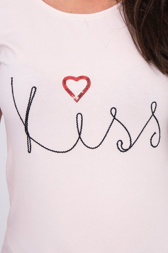 Blouse with the inscription Kiss powdered pink