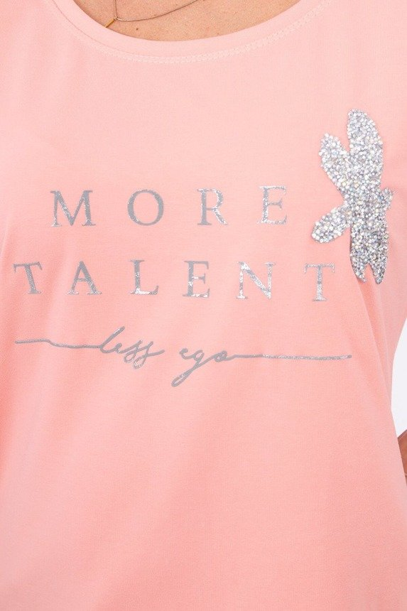 Blouse with the words More Talent peachy