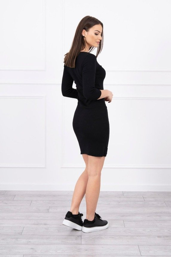 Dress fitted with neckline black