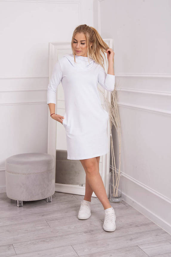 Dress with a hood and pockets white