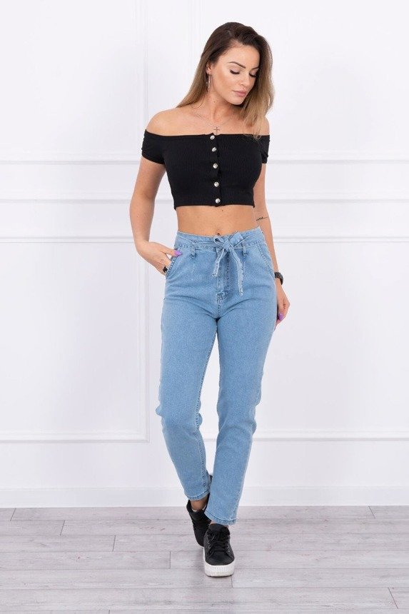 Jeans with tied belt