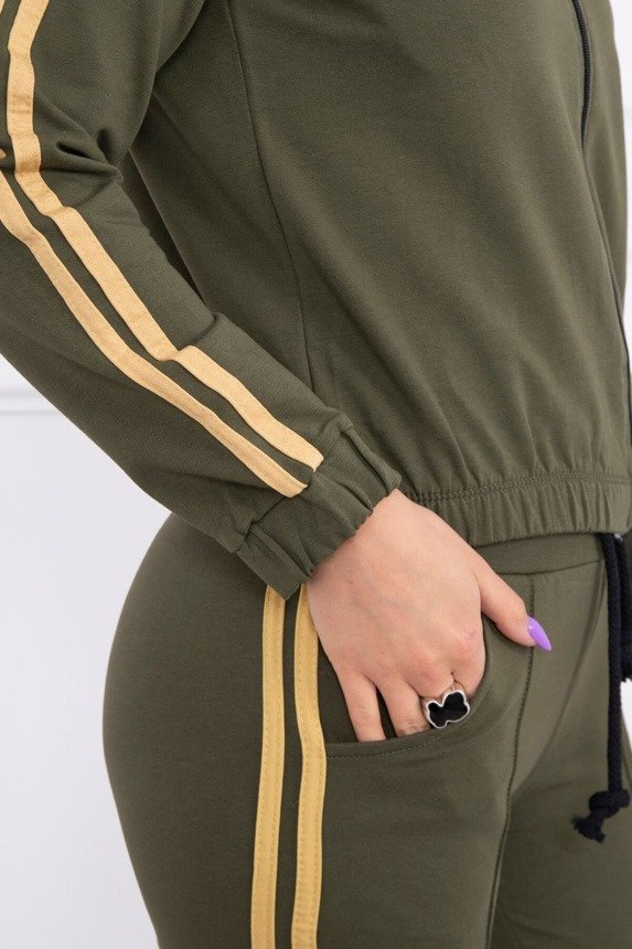 Set with stripes khaki