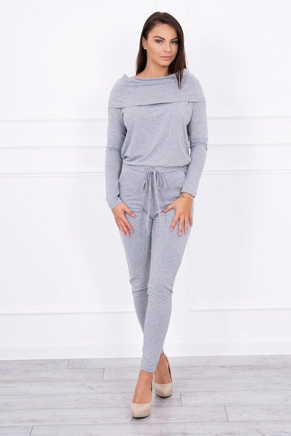Suit with rolled neck gray