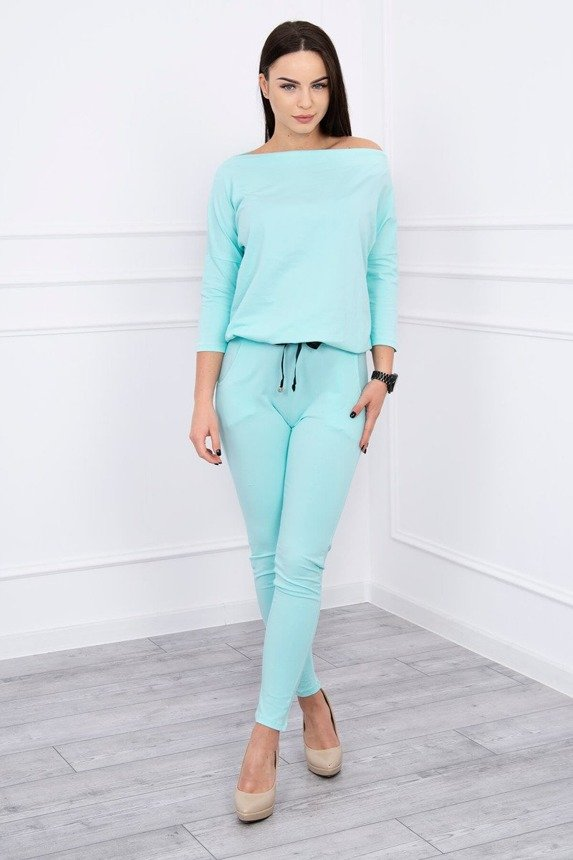 Suit  with water in the neckline mint