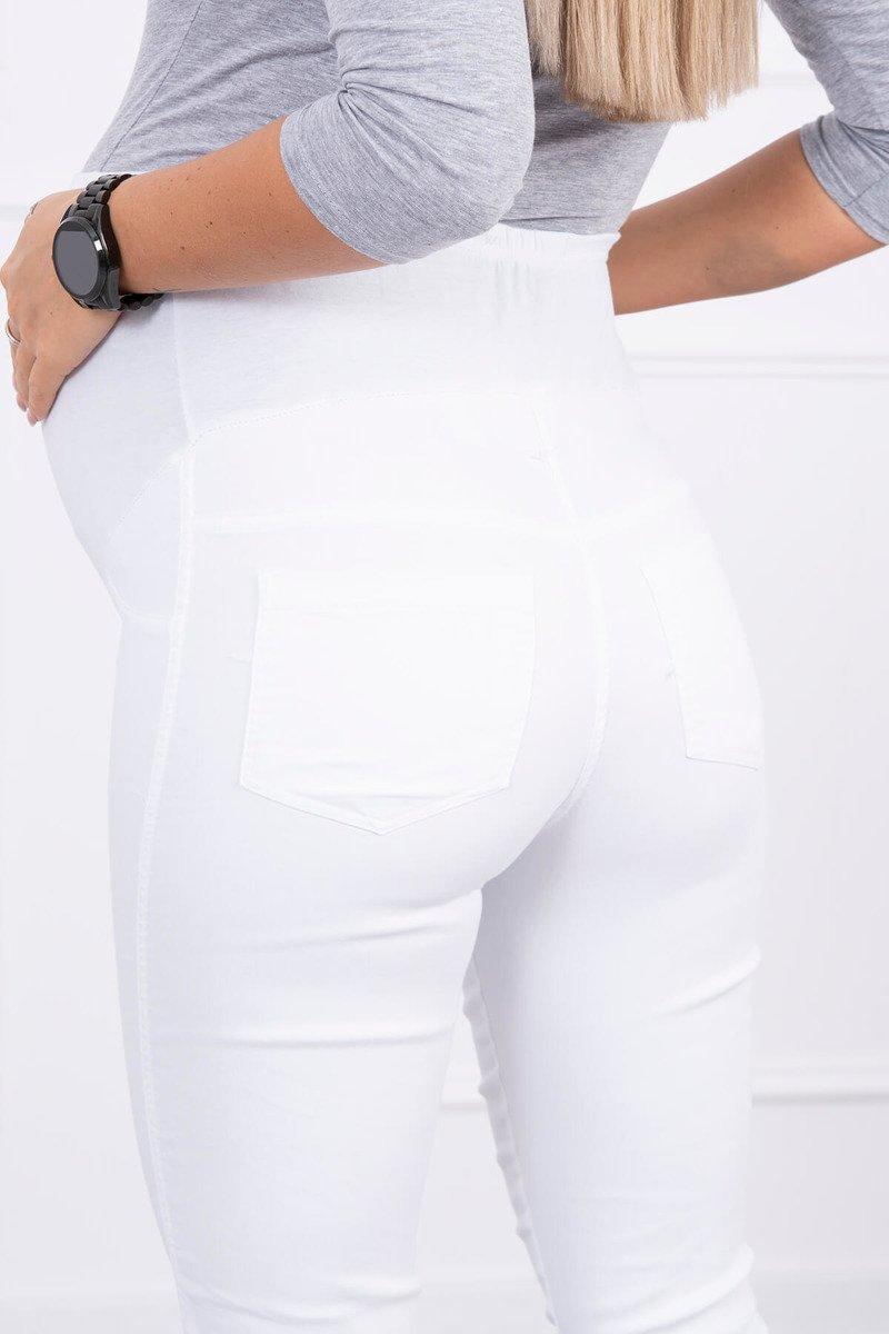 Spodnie ciążowe, kolorowy jeans białe. Odzież jeansowa