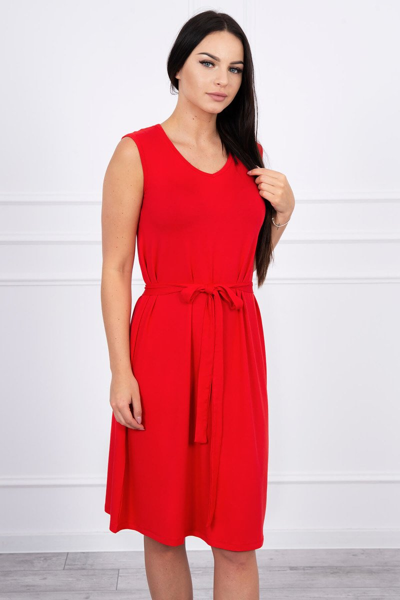 7426af69b0 ... Sukienka trapezowa wiązana w pasie czerwona ...